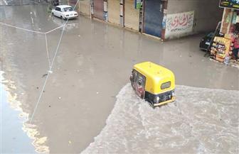 مستمرة منذ الواحدة صباحا.. الأمطار الرعدية تغرق شوارع الإسكندرية| صور
