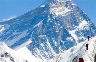 كورونا يتسلق أعلى جبل بالعالم ..ونيبال تلغي تصاريح زيارة قمة إفرست