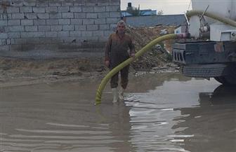 محافظ شمال سيناء يشدد على التنسيق لتصريف مياه الأمطار | صور