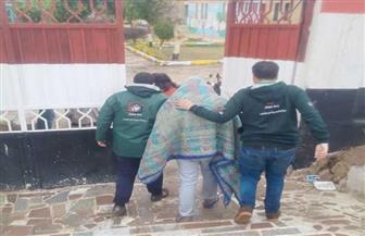 أطفال وكبار بلا مأوي يتعامل مع أكثر من 300 مشرد خلال موجة الطقس السيئ | صور