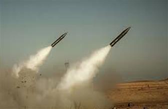 صواريخ على تل أبيب وإصابة مباشرة لمبنى في الرملة