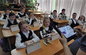 موسكو تجعل الحضور للمدارس اختياريا وسط انتشار كورونا