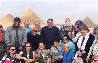 العناني يتفقد منطقة آثار أهرامات الجيزة لمتابعة حالتها بعد أعمال كسح وشفط مياه الأمطار  صور