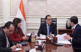 رئيس الوزراء يستعرض تحسين مناخ الاستثمار بمصر مع رئيس الهيئة العامة للاستثمار والمناطق الحرة