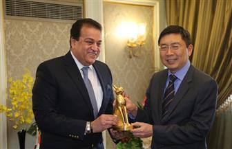وزير التعليم العالي يستقبل سفير سنغافورة بالقاهرة | صور