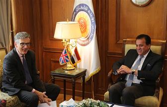 وزير التعليم العالي يستقبل السفير البريطاني لبحث دعم التعاون العلمي | صور