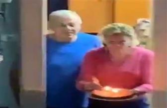 تورتة تتحدى كورونا.. عيد ميلاد في حجر صحي يشعل السوشيال ميديا| فيديو