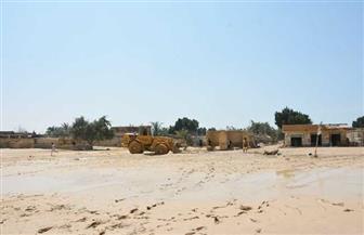 محافظ جنوب سيناء يتفقد آثار السيول في رأس سدر.. ويشكل لجنة لحصر وتعويض المتضررين| صور