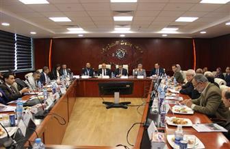 وزير التعليم العالي يترأس اجتماع مجلس معهد بحوث الإلكترونيات | صور