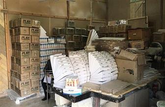 ضبط كميات كبيرة من مستحضرات التجميل المغشوشة داخل مصنع بطنطا| صور