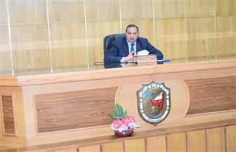 رئيس جامعة سوهاج يجتمع بمجلس اتحاد الطلاب لمناقشة إجراءات تعطيل الدراسة| صور