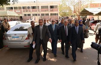 رئيس جامعة أسيوط  يشدد على الأطقم الطبية بالالتزام بالإجراءات الوقائية في مواجهة كورونا| صور