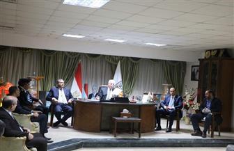 محافظ جنوب سيناء يبحث آليات تنفيذ قرارات مواجهة «كورونا» | صور