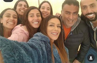 فريق عمل «لعبة النسيان» يحتفل بعيد ميلاد دينا الشربيني