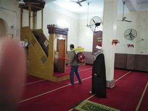 مواطنون بالغربية يعقمون المساجد على نفقتهم استعدادا لاستقبال صلاة الجمعة   صور