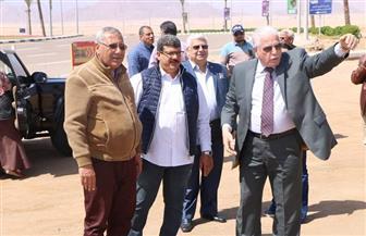 محافظ جنوب سيناء يتابع مشروعات الرصف والتشجير بشرم الشيخ | صور