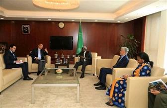 سفير مصر بإثيوبيا يطلع رئيس مفوضية الاتحاد الافريقي على الموقف الحالي لمفاوضات سد النهضة المتوقفة | صور