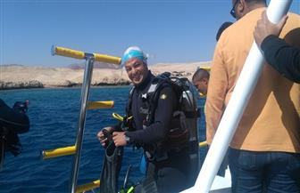البطل محمد كرم من ذوي الهمم يغوص في شرم الشيخ على عمق 6 أمتار   صور