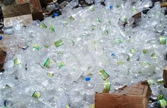إعدام 6000 زجاجة خل مغشوش في أسوان