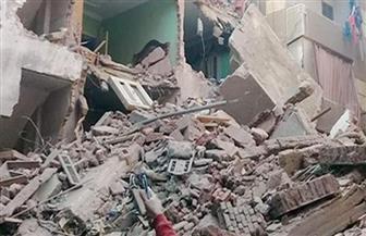 إنقاذ شخصين والبحث عن سيدة تحت أنقاض عقار قديم انهار وسط الإسكندرية