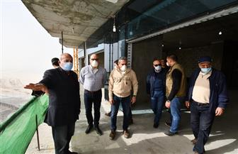 وزير الإسكان يتفقد منطقة الأبراج الشاطئية بمدينة العلمين الجديدة | صور