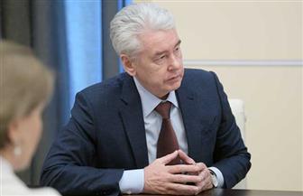 عمدة موسكو: تعليق عمل المتاجر والسلع الغذائية والبضائع الأساسية من بعد غد
