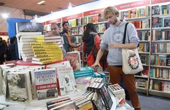 """""""مصائب قوم عند قوم فوائد"""".. الكورونا تنعش مبيعات الكتب في بريطانيا"""