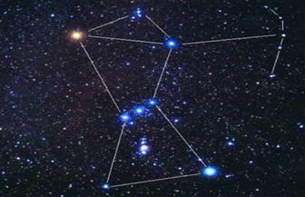 """""""نجوم الجبار"""" تنحرف غربا.. شاهد ذلك بالعين المجردة"""