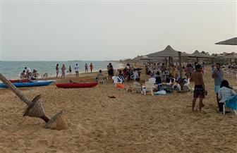 بسبب تجمعات المواطنين.. محافظ البحر الأحمر يقرر غلق جميع الشواطئ لمواجهة فيروس كورونا