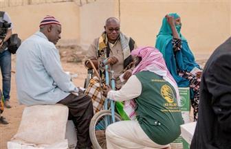 مركز الملك سلمان للإغاثة يوزع سلالا غذائية وكراتين تمور في صوماليلاند واليمن