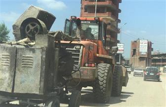 محافظ الشرقية: التحفظ على خلاطة وسيارتين محملتين بمواد بناء لاستكمال أعمال بناء عقار بالمخالفة | صور