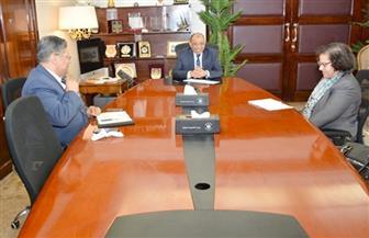 وزير التنمية المحلية يلتقى أخصائيي البنك الدولي لتحسين جودة الهواء بالقاهرة الكبرى