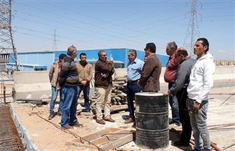 نائب وزير الإسكان يتفقد المحاور والطرق الرئيسية والكبارى بمدينة 6 أكتوبر | صور