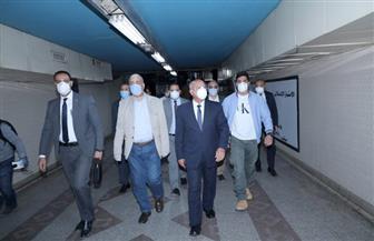 وزير النقل يتفقد محطة الشهداء.. وآخر القطارات من المحطات الرئيسية 6 مساء | صور