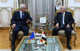 """""""العصار"""" يبحث مع سفير البوسنة والهرسك سبل تعزيز التعاون في مجالات التصنيع"""