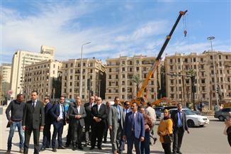وزير التنمية المحلية ومحافظ القاهرة يتفقدان تطوير ميدان التحرير استعدادا لنقل المومياوات