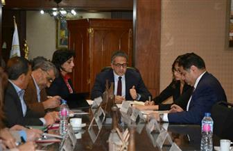 وزير السياحة والآثار يستعرض إجراءات مجابهة تداعيات كورونا | صور