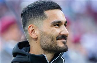 لاعب السيتي يطالب بمنح ليفربول لقب البريميرليج حال إلغاء الموسم