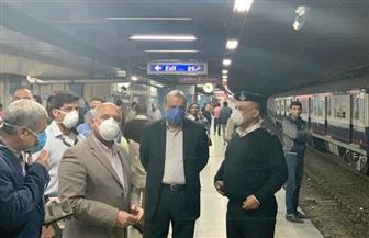 وزير النقل يفاجئ العاملين بالمترو والسكة الحديد بزيارة قبل بدء توقيت حظر التجوال | صور