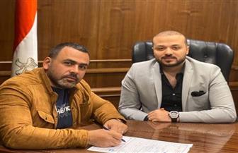 الإعلامي يوسف الحسيني يوقع استمارة الانضمام لحزب مستقبل وطن