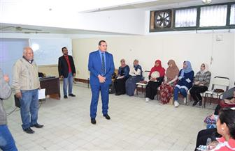 رئيس جامعة سوهاج يتفقد الدورات التدريبية للطلاب بمركز ريادة الأعمال | صور