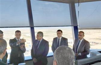 نائب وزير الطيران المدني يقوم بجولة تفقدية لمطار برج العرب الدولي
