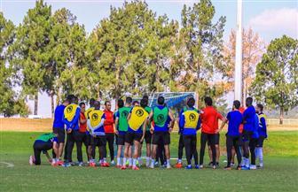 «فايلر» يحاضر لاعبي الأهلي قبل انطلاق التدريبات بجنوب إفريقيا