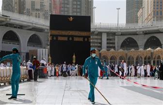 السعودية تعيد فتح الحرمين بعد إغلاقهما مؤقتا لتعقيمهما