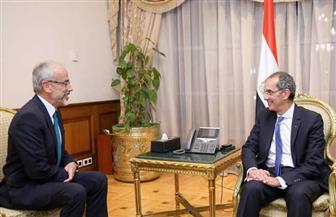 """وزير الاتصالات يلتقي مسئول"""" آيديميا"""" الفرنسية لبحث التعاون في مجالات الذكاء الاصطناعي"""