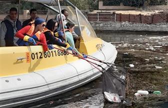 احتفالا باليوم العالمي للمرأة.. وزيرة البيئة تقود حملة لتنظيف نهر النيل من المخلفات |صور