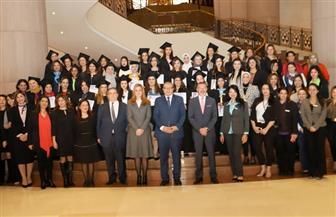 سعفان يكرم 35 عاملة فى اليوم العالمي للمرأة.. ويؤكد: أنتن كل المجتمع لا نصفه | صور