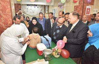 محافظ أسيوط يشهد انطلاق الحملة القومية للتطعيم ضد مرض الحصبة | صور