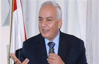 نائب وزير التربية والتعليم يزور معلم سمنود المعتدى عليه