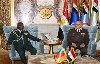 الفريق محمد فريد رئيس أركان حرب القوات المسلحة يلتقي رئيس أركان القوات المسلحة الكاميرونية
